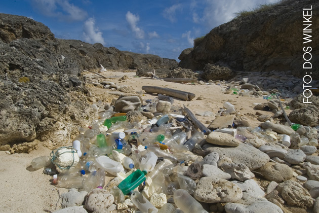 Plastic Boca Chikitu nov. 2010 - foto van Dos Winkel