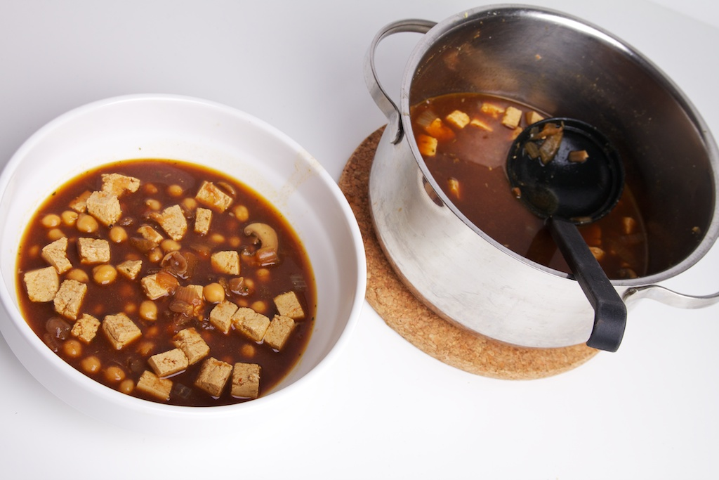 Misosoep met kikkererwten en tofu