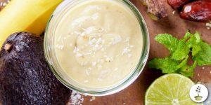 Mojito smoothie - avocado, kokosmelk, dadel, limoen, munt